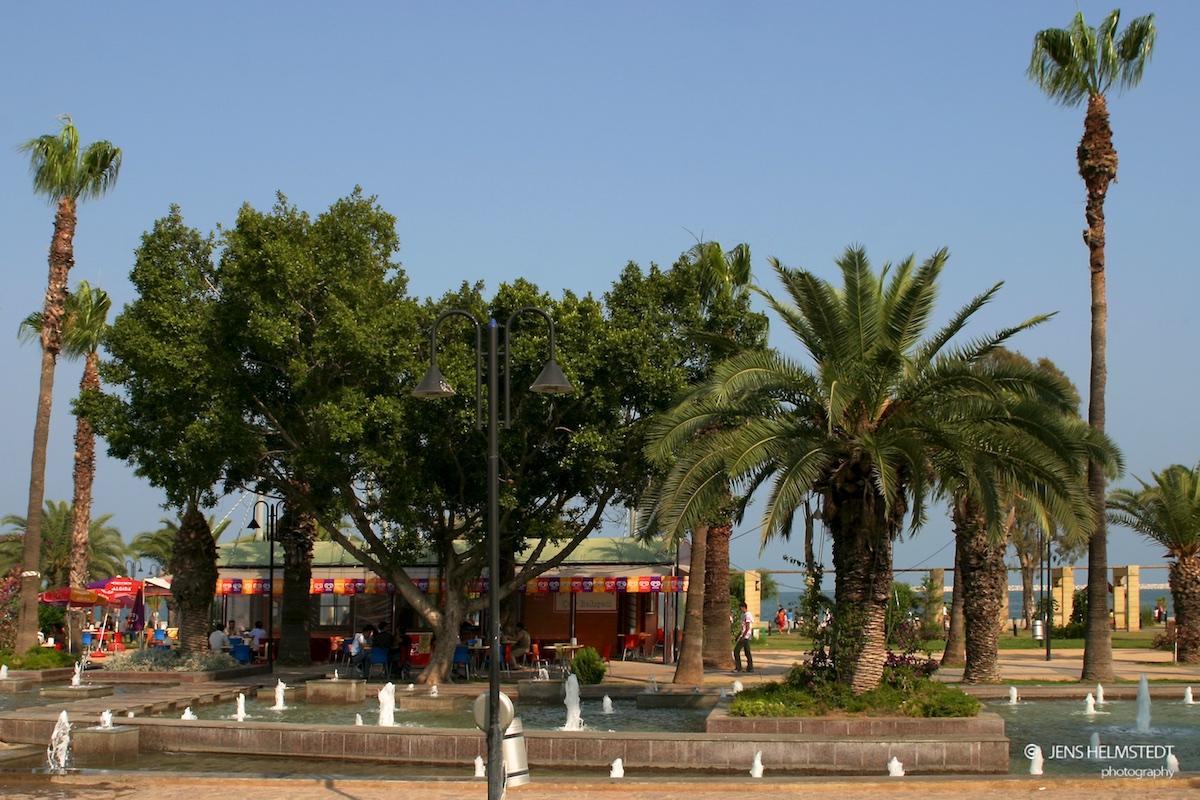 Park am Hafen von Mersin, Mittelmeer-Region der Türkei