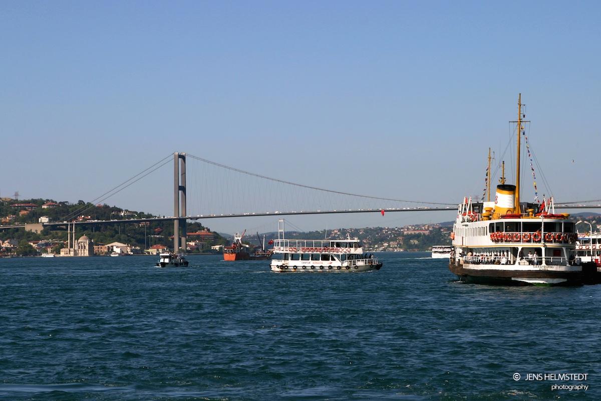 Fähre auf dem Bosporus