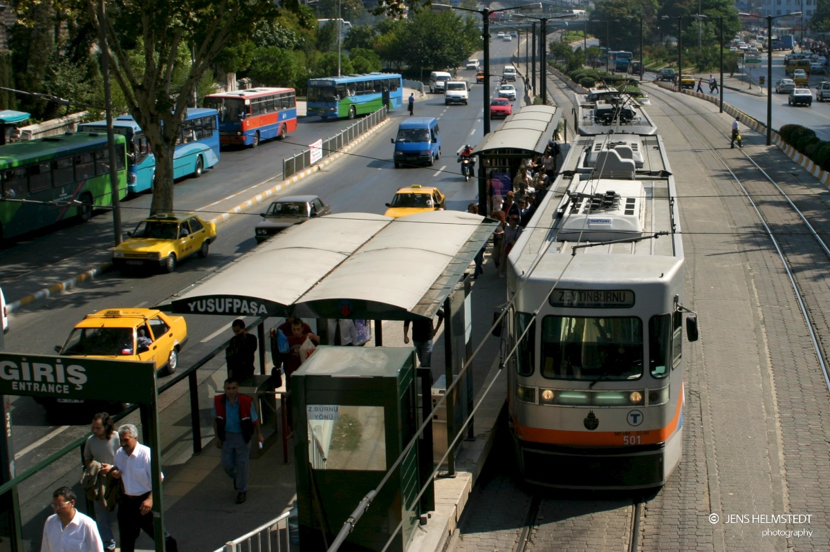 Strassenbahn in Istanbul - Haltestelle Yusufpaşa